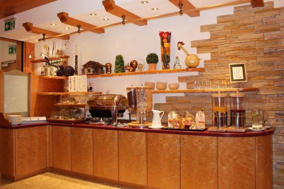 Frühstücksbuffet im 3-Sterne Hotel